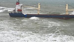 Comoros Bayraklı NATALIE isimli kargo gemisi karaya oturdu