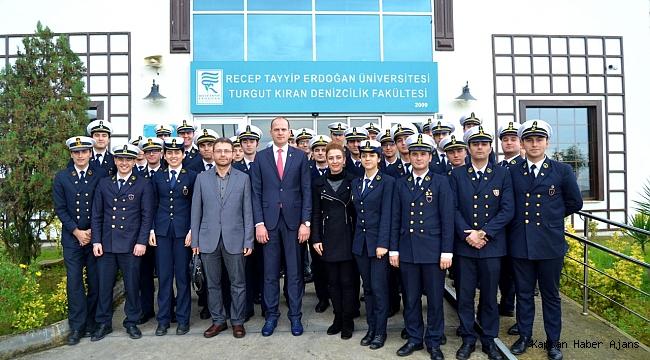 Düzgit Grup, Turgut Kıran Denizcilik Fakültesi Kariyer Günlerindeydi