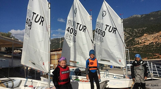 Kaş'ta yelken yarışları