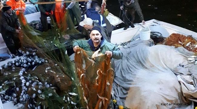 Zonguldak'ta balıkçılar 3 ton çinakop yakaladı