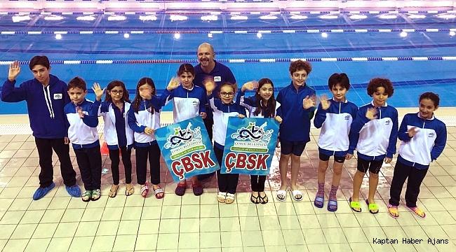 Çorlulu yüzücüler Yunanistan'da madalya bırakmadı