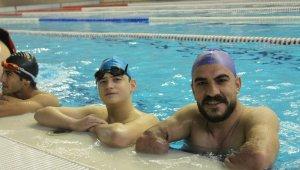 Engelli yüzücüler Türkiye şampiyonasına hazırlanıyor