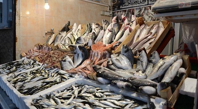 Fırtına balık fiyatlarını yükseltti
