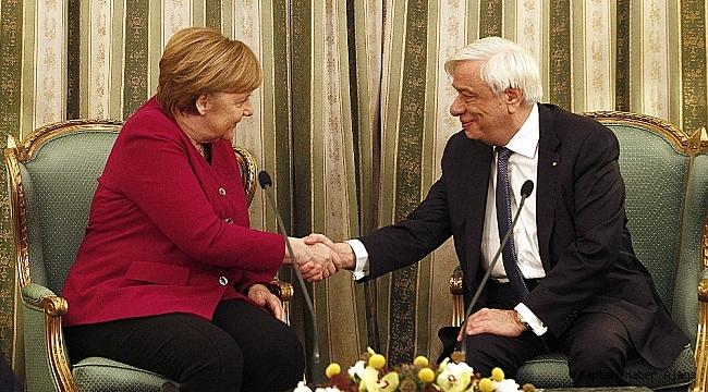 Merkel, Yunan Cumhurbaşkanı Pavlopulos'la görüştü