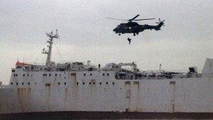 Mersin'de karaya oturan gemide nefes kesen kurtarma operasyonu