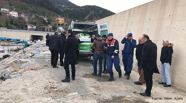 Sinop'ta batan teknede kaybolan şahıs aranıyor