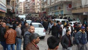 Avrupa'ya mülteci alınacağı yalanı binlerce Suriyeliyi derneğin kapısına yığdı
