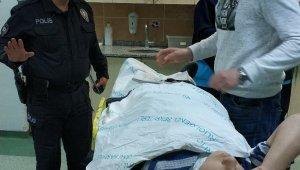 Buzdan kayan otomobil kaza yaptı: 2 yaralı
