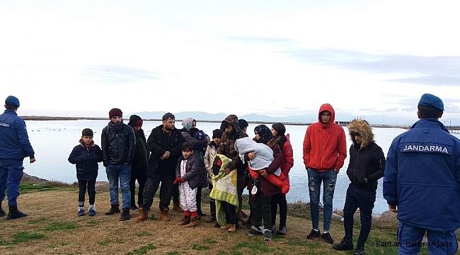 Ege Denizi'nde 10'u çocuk 19 göçmen facia yaşanmadan kurtarıldı