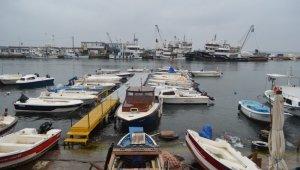 Marmara'da deniz ulaşımına poyraz engeli