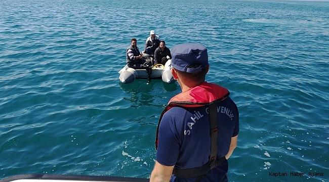 Denizde Botları arızalanan Türk'leri Sahil Güvenlik kurtardı