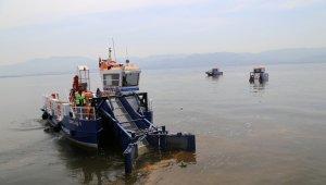 İzmit Körfezi'nden bir yılda 400 ton çöp toplandı