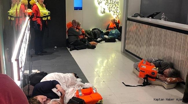Norveç'te sürüklenen gemiden 300 kişi kurtarıldı