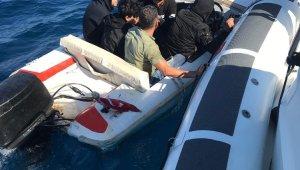 Sahil güvenlik ekipleri kaçak göçmenlere göz açtırmıyor