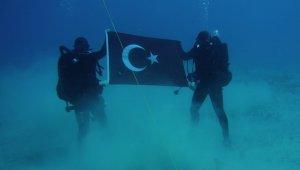 Türk komandoların Girit Adası'ndaki fotoğrafı Yunan medyasını rahatsız etti