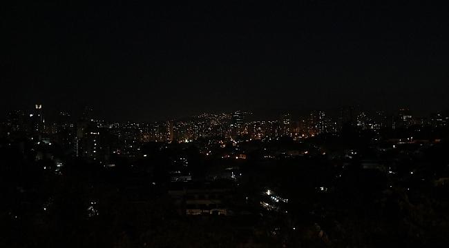 Venezuela 100 saatten fazladır elektriksiz