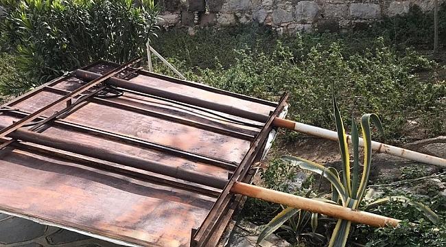 Bodrum'da görüntü kirliliği oluşturan tabelalar kaldırılıyor