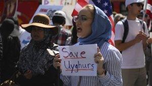 Çin'in Uygur Türklerine zulmü Hollywood'da protesto edildi