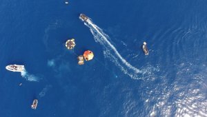 Denizaltından tahliye ve kurtarma tatbikatı havadan görüntülendi