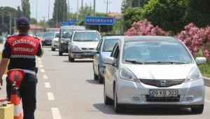 Bayram tatili sonrası Kuzey Ege'de trafik yoğunluğu arttı