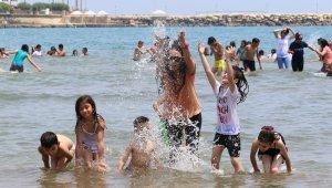 Hayatında denize girmeyen çocuklar denizle buluştu