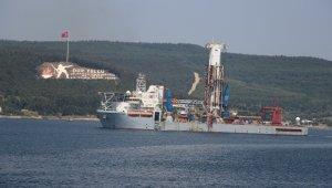 Sondaj gemisi Çanakkale Boğazı'ndan geçti