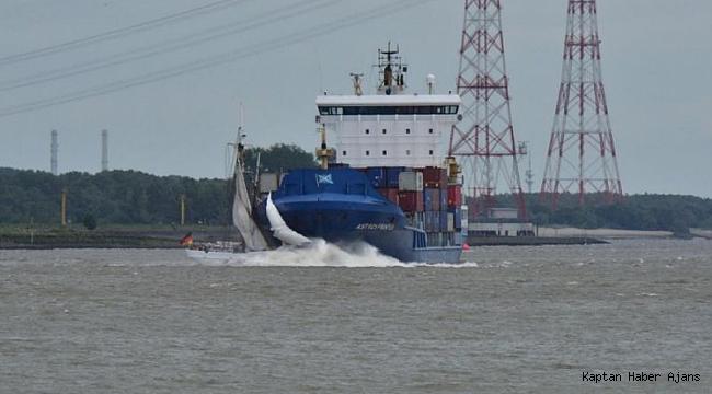 Tarihi kılavuz kaptan teknesi ne konteyner gemisi çarptı