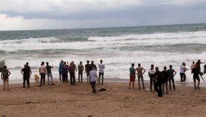 Denizde kaybolan öğretmeni arama çalışmaları sürüyor