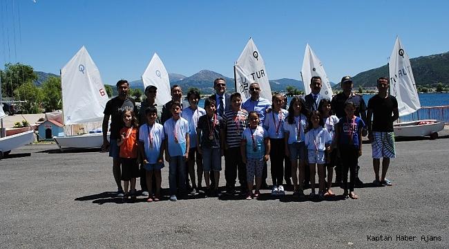 Eğirdir'de Kabotaj Bayramı'nda yelken yarışları düzenlendi