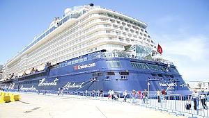 'Horizon' isimli kruvaziyer gemisi, Marmaris'e geldi