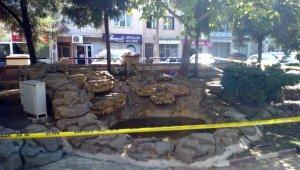 İzmir'de süs havuzuna giren çocuklar akıma kapıldı