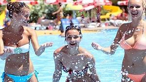 Ruslar yalnız tatil turizminde Türkiye'yi tercih ediyor