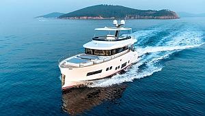'Sirena 88' isimli motoryatı denize indirdi