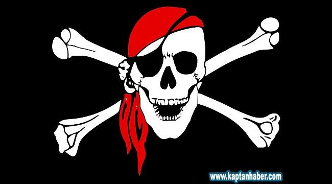 Türk bayraklı gemiye korsan saldırısı: 10 denizci kaçırıldı