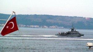 Yunan savaş gemisinden Çanakkel Boğazında füze gösterisi!