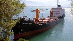Buğday yüklü gemi Fethiye'de karaya oturdu