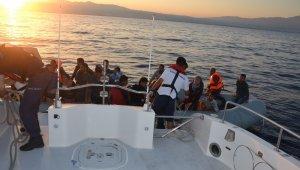 Kuşadası'nda 25'i çocuk 42 kaçak göçmen yakalandı