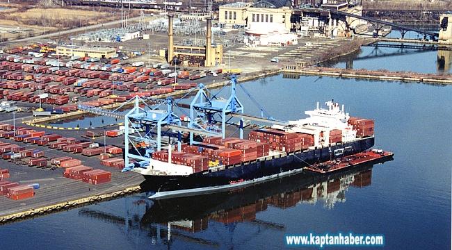Yasa dışı atık taşıyan konteyner gemisi geri gönderildi