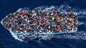 Çeşme'de 6 şişme botta 236 kaçak göçmen yakalandı