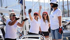 Kadın yelkenciler, 'barış' için için seyre çıktılar