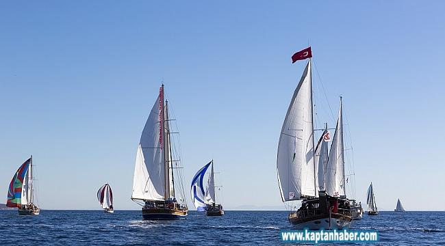 41 deniz tutkunu Hatay'dan Karpaz'a yelken açtı