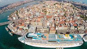 Celestyal Crystal gemisi İstanbul'da
