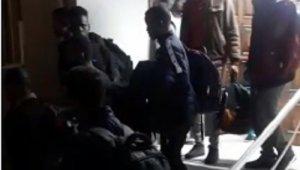 İzmir'de operasyon: 22 düzensiz göçmen yakalandı