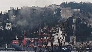Konteyner gemisi Rumelihisarı sahiline çarptı