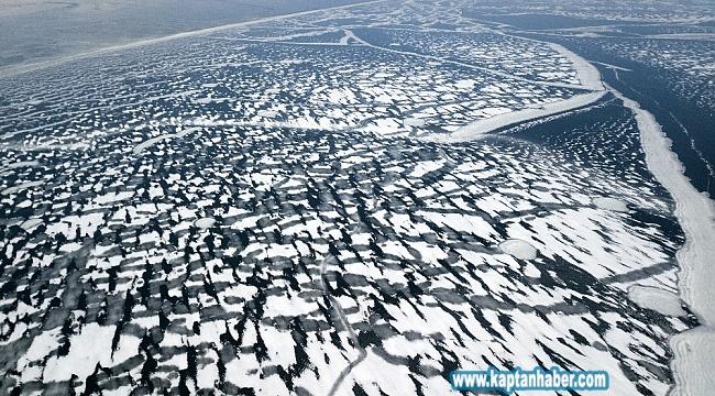 Buz tutan Nazik Gölü havadan görüntülendi