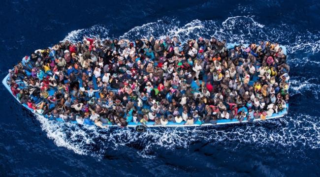 Lastik bot içinde 6 düzensiz göçmen yakalandı