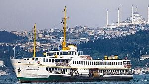 Vapur arıza yapınca yolcular denizde mahsur kaldı