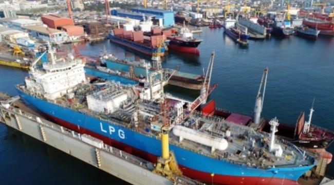 'Alman gemileri Türk tersanelerinde tamir edilecek'