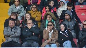 Isparta'da rekor seyirci