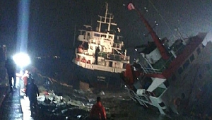 İstanbul'da iki gemi çarpıştı! Batma tehlikesi var